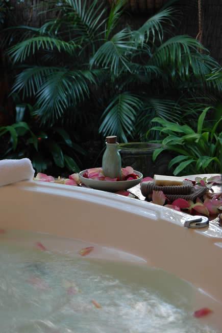 Milk & Honey Bath - Cleopatra's secret to timeless beauty
