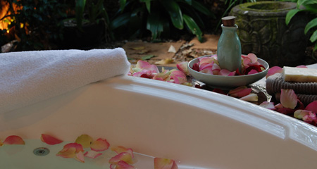 double-spa-with-rose-petals