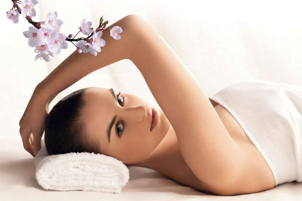 spa-treatment-with-cherry-blossom