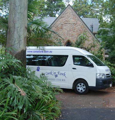 Winery Tour Bus outside Witches Falls Cottages